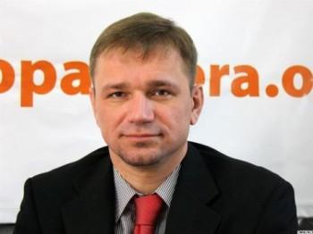 Ora 16.00: Iulian Fruntașu în studioul UNIMEDIA