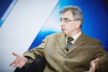 Petrișor Peiu în studioul UNIMEDIA