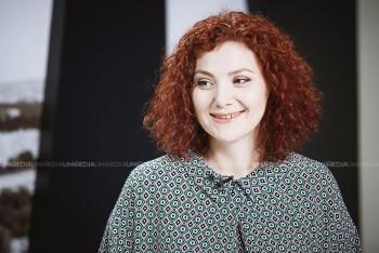 Daniela Terzi-Barbăroșie în studioul UNIMEDIA