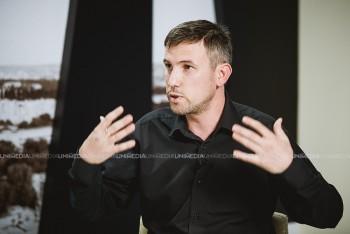 Ion Ștefăniță în studioul UNIMEDIA