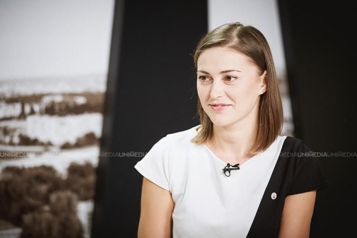 Natalia Țurcanu în studioul UNIMEDIA