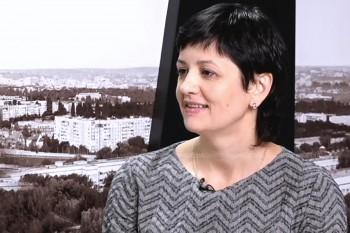 Ionela Titirez în studioul UNIMEDIA