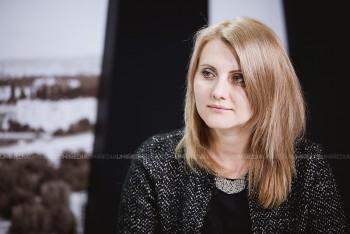 Elena Mârzac în studioul UNIMEDIA