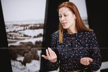 Xenia Siminciuc în studioul UNIMEDIA