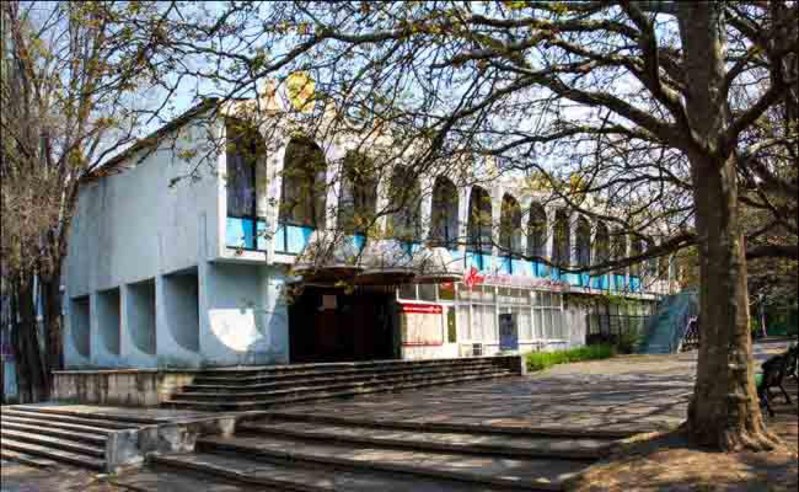 """În locul cafenelei """"Guguță"""" ar putea apărea un bloc cu 13 etaje. Ce spune arhitectul-șef al capitalei"""