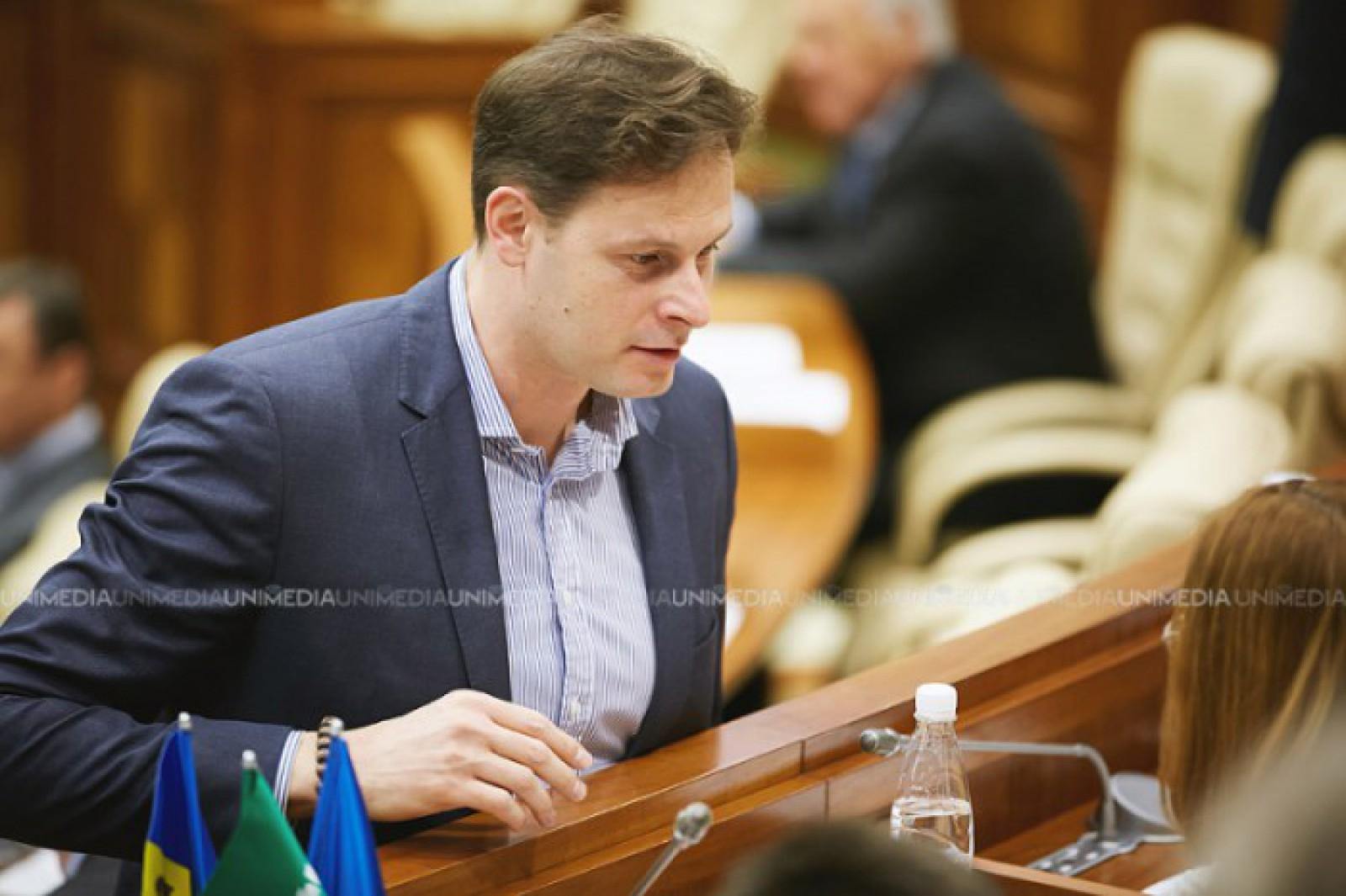 Încă 30 de zile de arest la domiciliu pentru fostul deputat Chiril Lucinschi. Dosarul ar putea fi trimis în judecată peste o lună