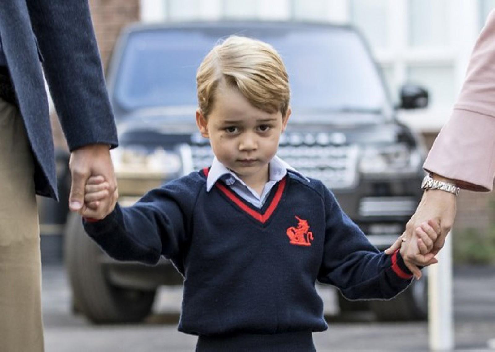 Închisoare pe viaţă pentru britanicul care a incitat la un atentat împotriva prinţului George