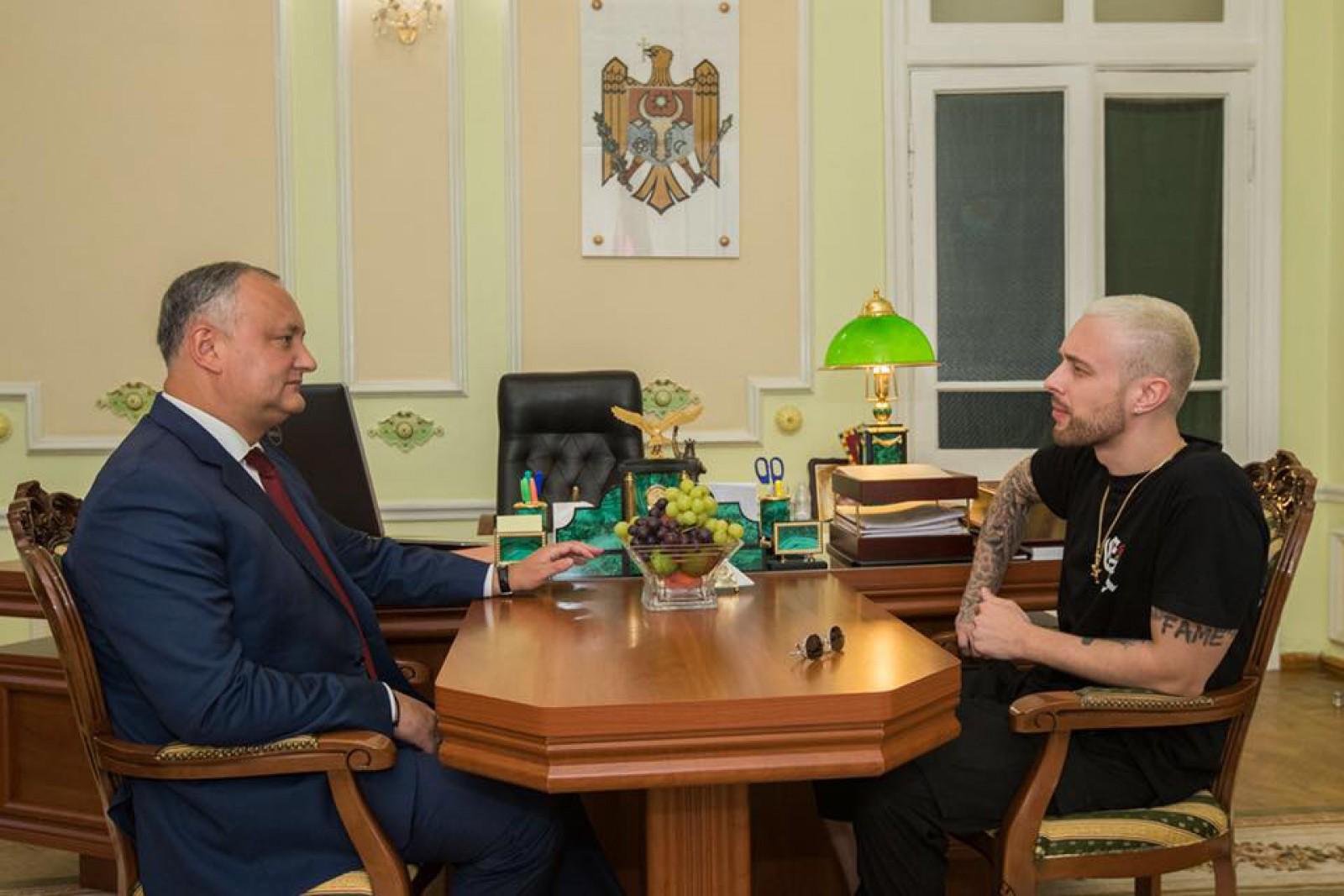 (foto) Întâlnirea zilei: Igor Dodon la o masă cu Egor Kreed. Care a fost scopul întrevederii