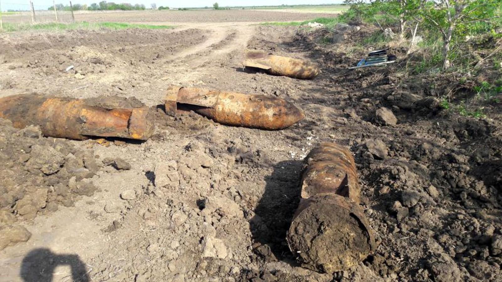 Șase bombe de aviație de câte 500 de kilograme au fost descoperite lângă Focșani. Zona ar putea fi evacuată