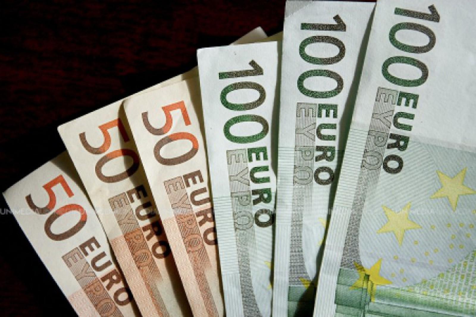 Țara în care suspecții de corupție dau înapoi 100 de miliarde de dolari