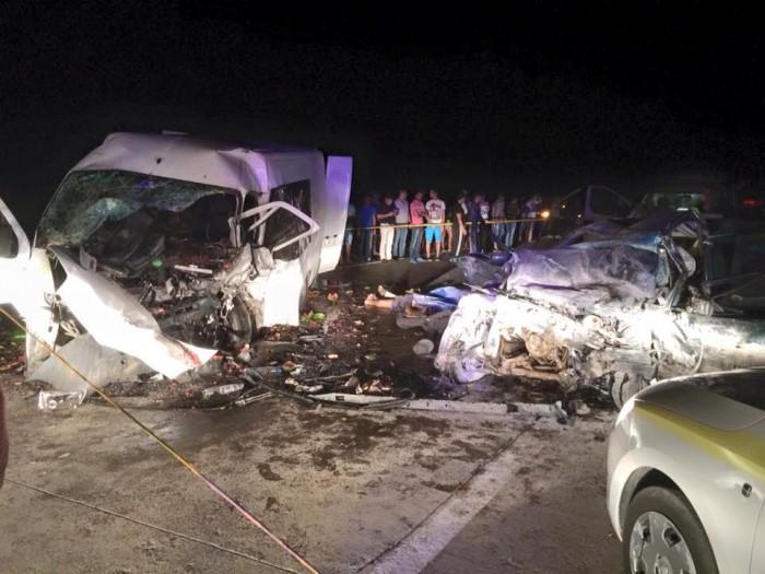 (foto-video) Accident îngrozitor lângă Băcioi. Cinci persoane și-au pierdut viața