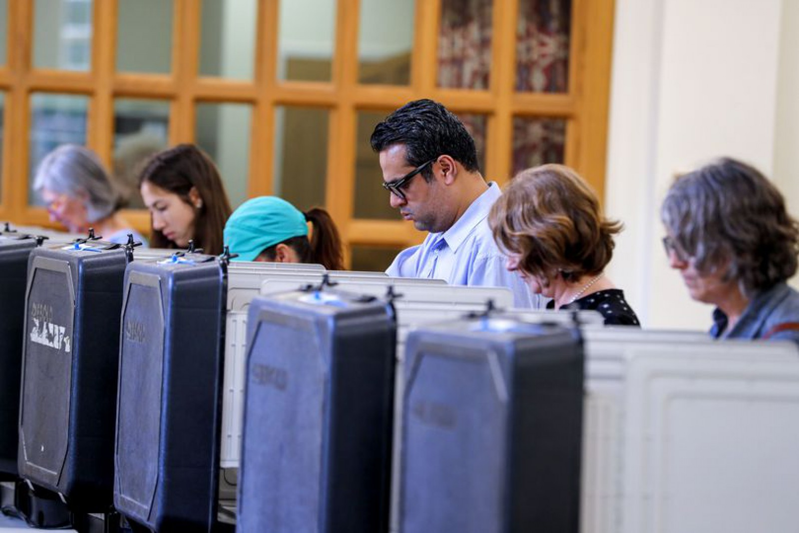 Alegeri prezidențiale în Columbia. Primul scrutin după semnarea acordului de pace cu FARC