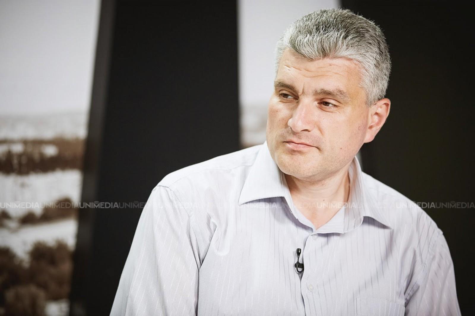 Alexandru Slusari susține că primarii și președinții din diferite raioane ale țării sunt impuși să semneze o adresare către oficialii europeni în urma Rezoluției PE