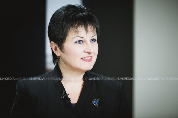 Ana Guțu, decorată de ambasadorul Franței la Chișinău cu cea mai mai înaltă distincție a Republicii Franceze