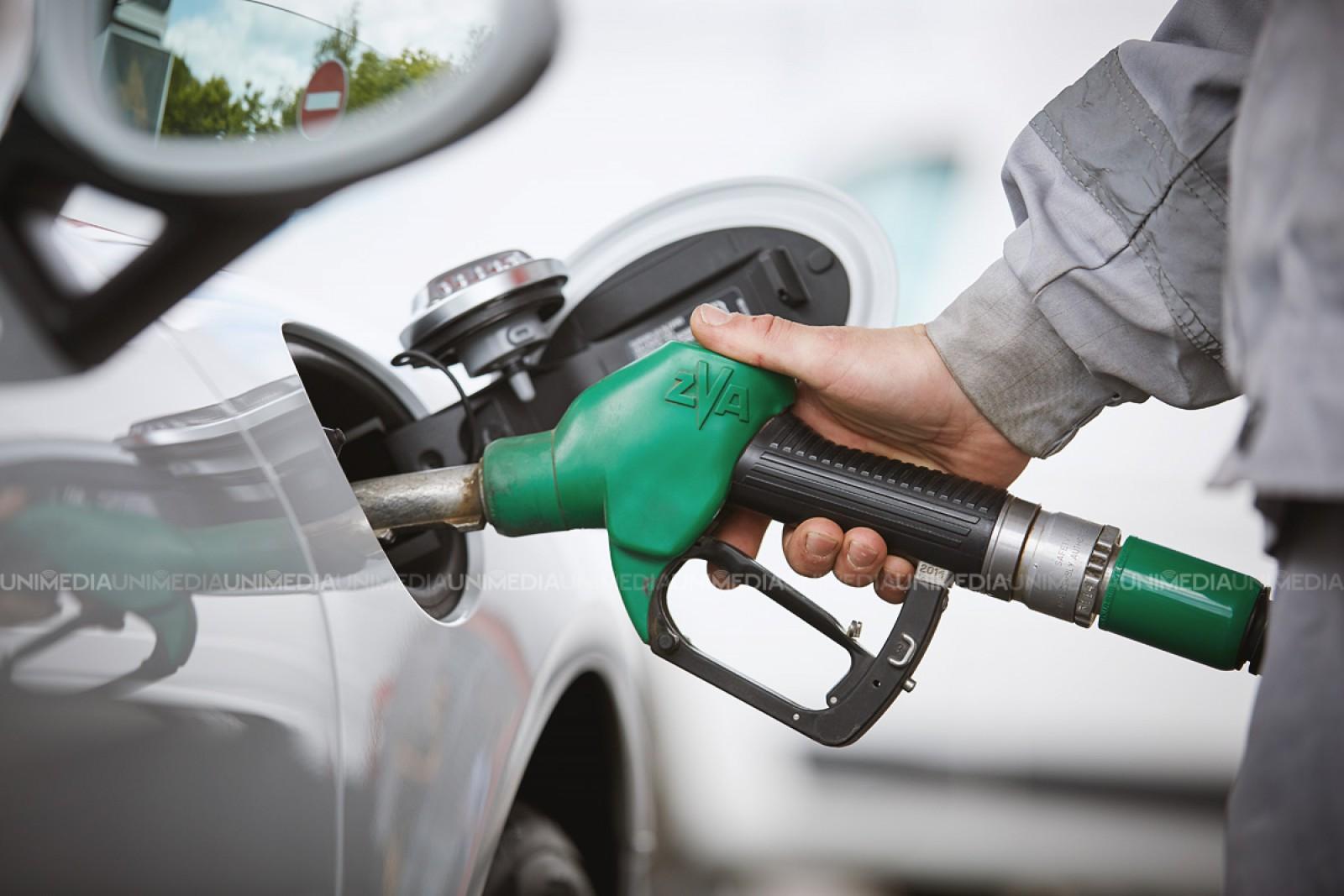 În Moldova benzina a trecut de 1 Euro pentru un litru! ANRE a anunțat noi scumpiri record la benzină și motorină