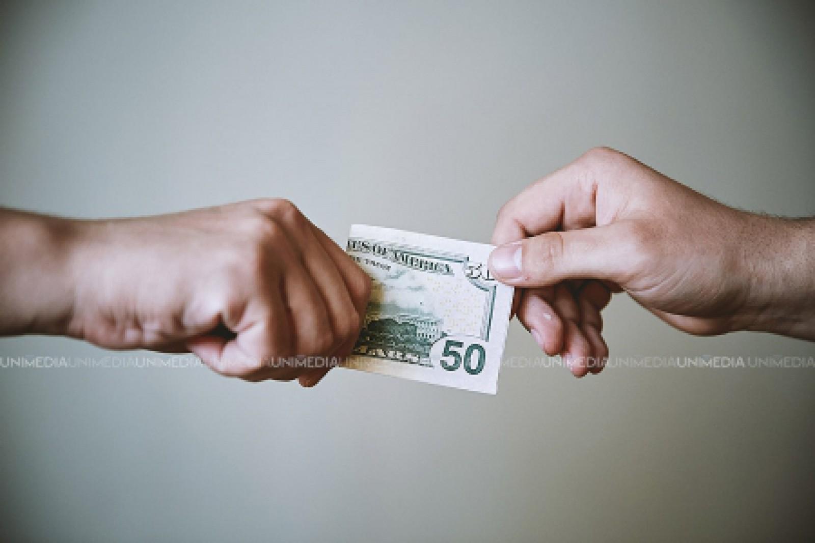 Ar fi cerut 5.000 de euro pentru a corupe judecătorii. Un chișinăuian riscă până la 6 ani de închisoare
