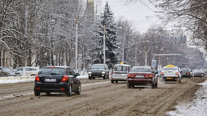 Atenţie, şoferi! Serviciul Hidrometeorologic de Stat anunţă când va cădea prima zăpadă