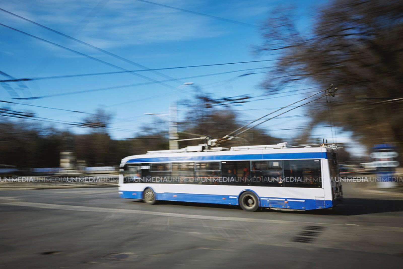 (foto) Atenție! Circulația troleibuzelor pe bd. Ștefan cel Mare din capitală este sistată din lipsa curentului electric