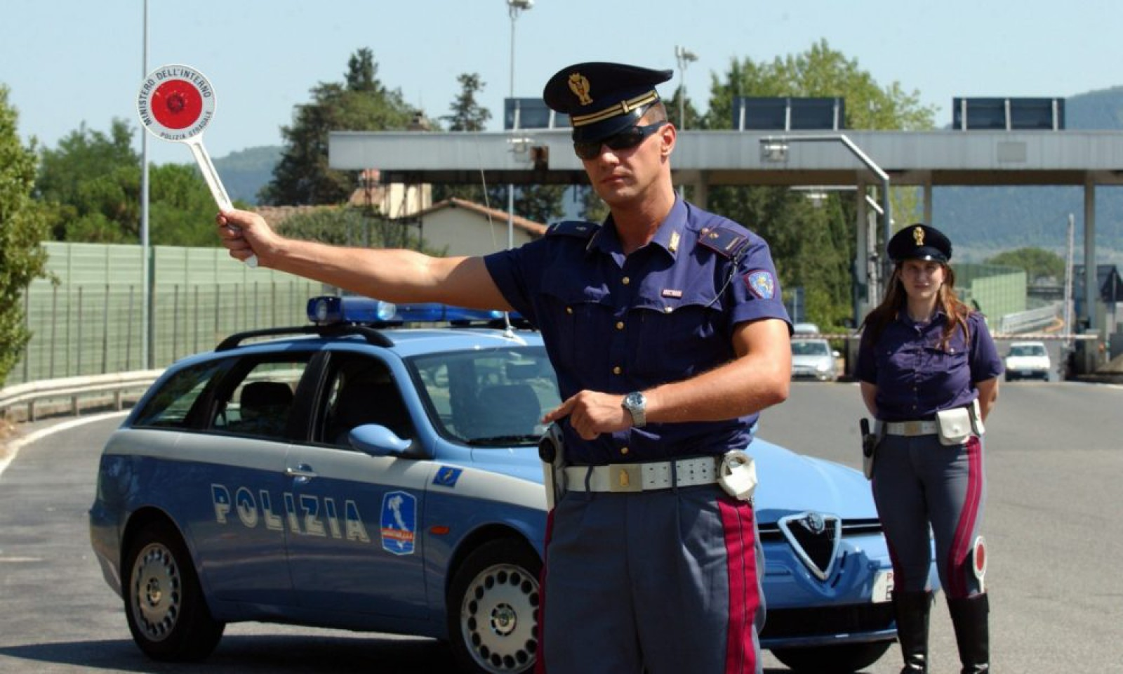 Au refuzat să achite amenda și au rămas blocați aproximativ 24 de ore. Călătoria lungă a unui grup de moldoveni de pe ruta Parma-Chișinău