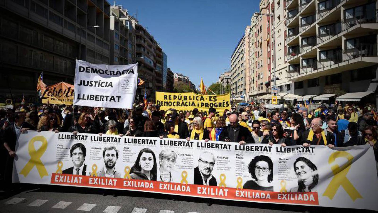 Barcelona: Peste 300 de mii de protestatari au cerut eliberarea deținuților politici