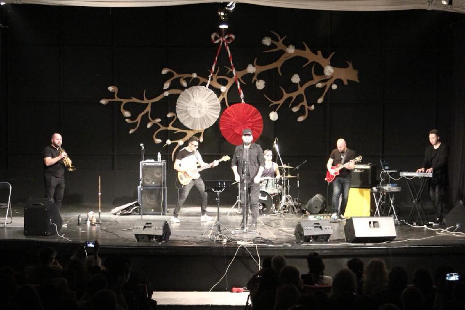"""Basistul Alex Calancea a rămas fără """"Capriciosul"""" său. Artistului i-au fost furate instrumentele muzicale din mașina personală"""