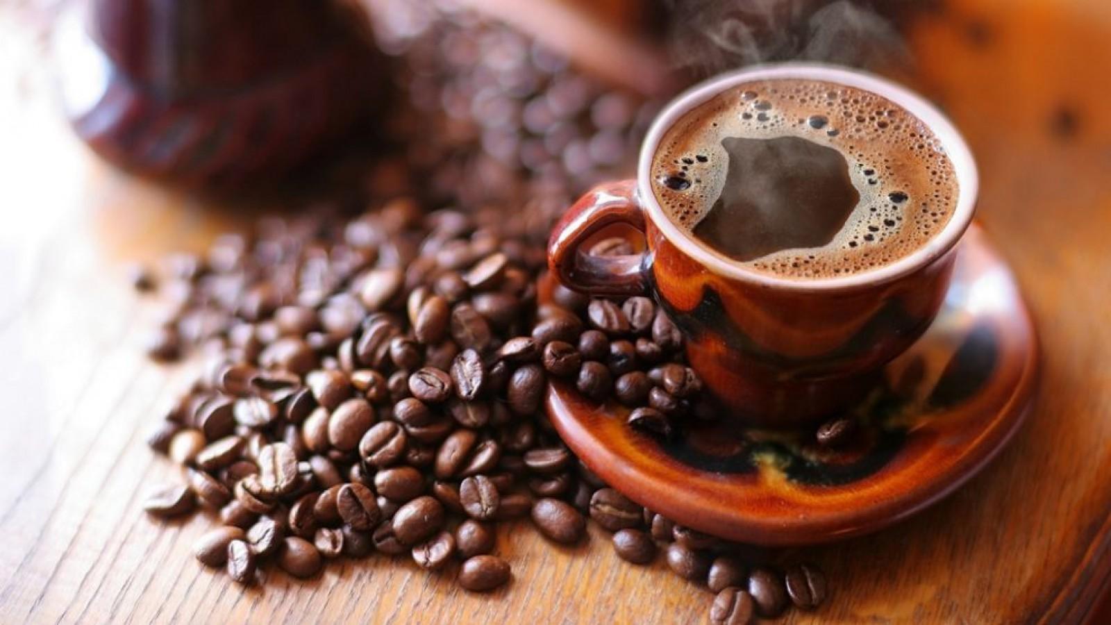 Bei cafea dimineaţa? Efecte necunoscute ale consumului acestei băuturi