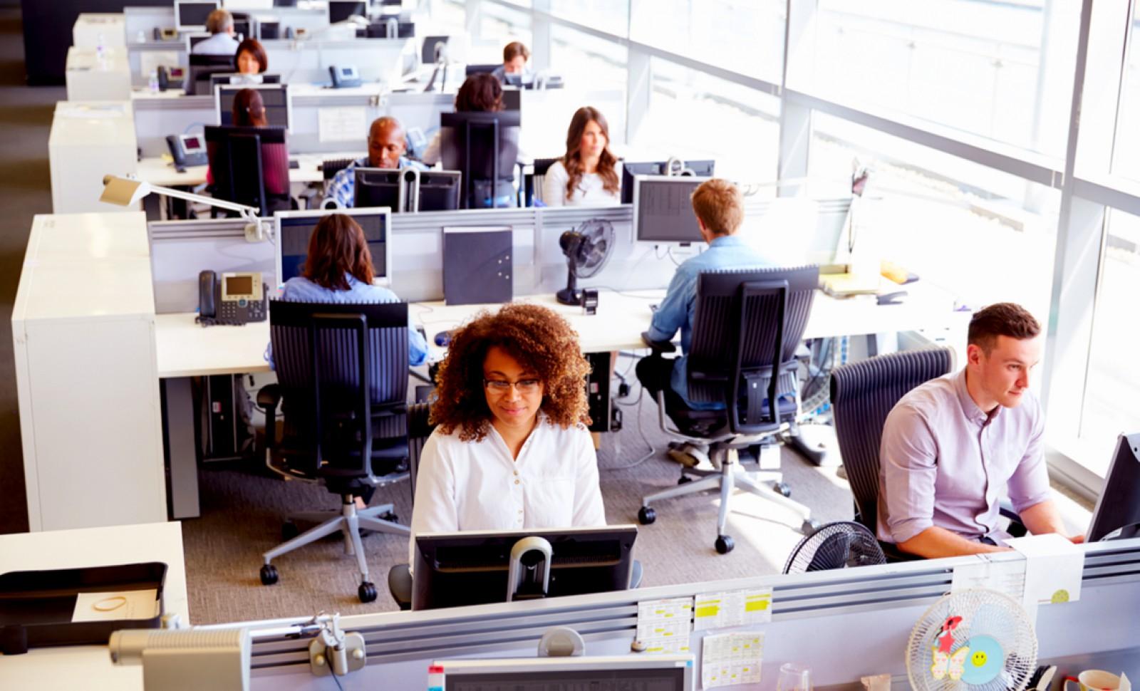 Ce trebuie să faci pentru a contracara efectele a opt ore petrecute la birou