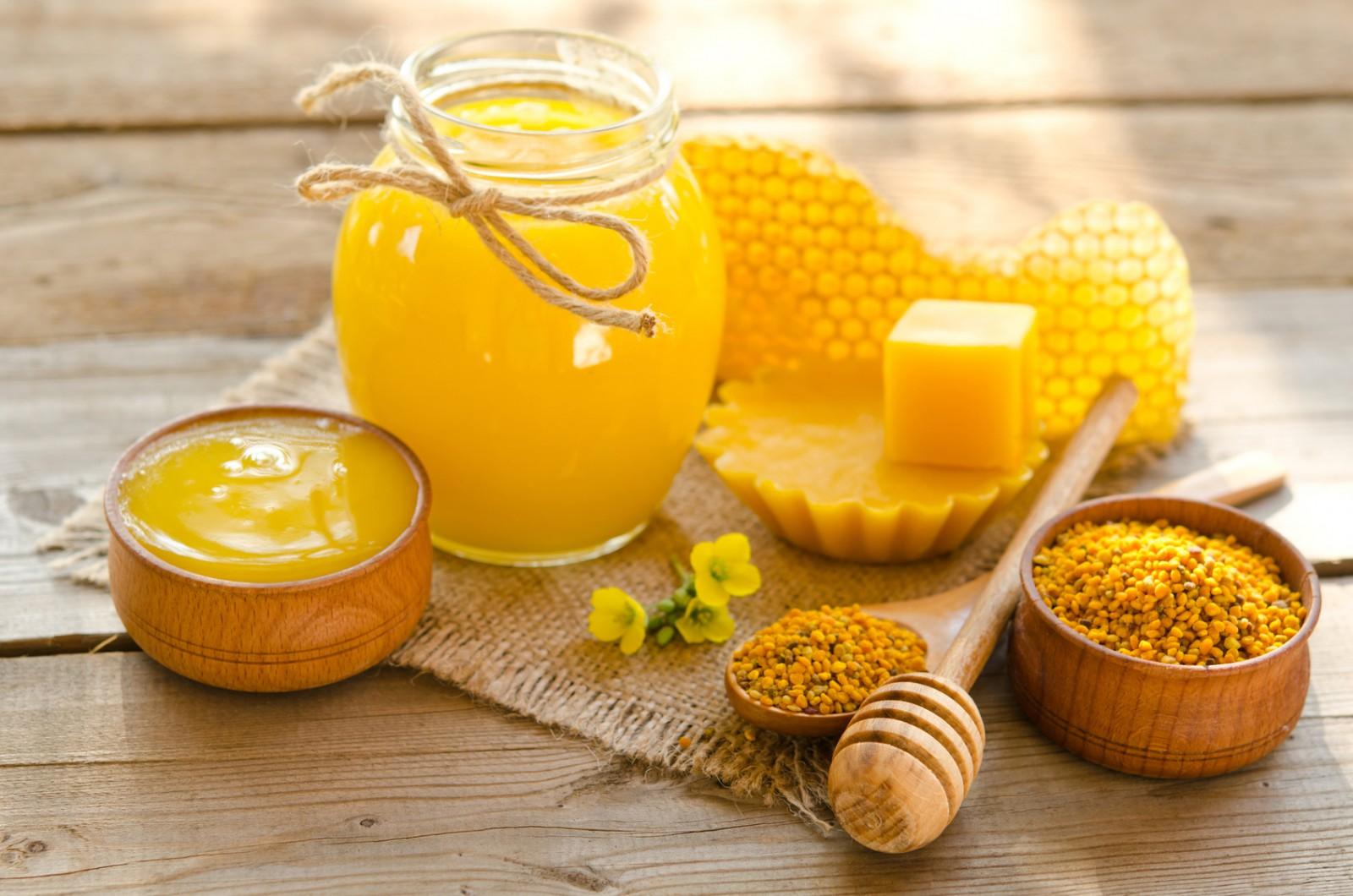 Ceara de albine, beneficii uimitoare pentru ten: Motivele pentru care să o foloseşti mai des