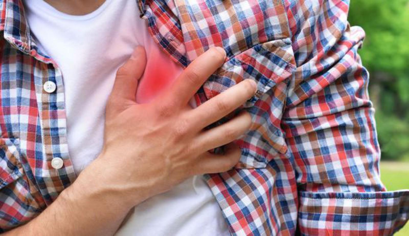 Cele 6 simptome mai puţin cunoscute ce prezic apariţia unei afecţiuni cardiace
