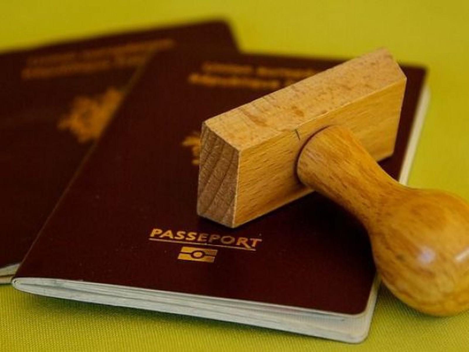 Cine sunt cetățenii cu pașaport român care ar putea călători în SUA fără vize. Solicitarea Ministrului Finanțelor din România către ambasadorul SUA