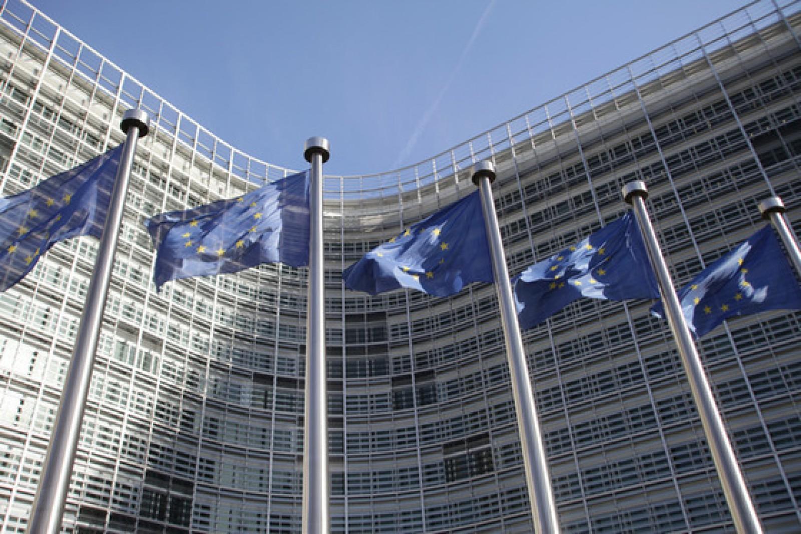 Comisia Europeană condamnă violenţele din Bucureşti şi cere protejarea jurnaliştilor