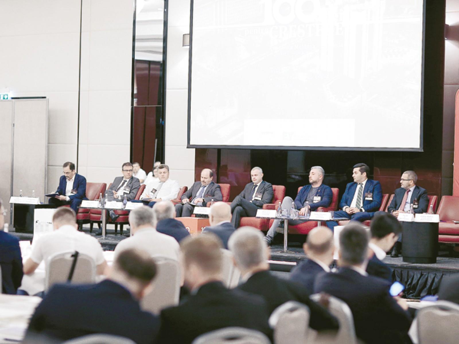 """Conferinţa """"Republica Moldova – România. Investiţii, comerţ, finanţare"""": Antreprenori din Republica Moldova, aveţi curaj, se poate face business!"""