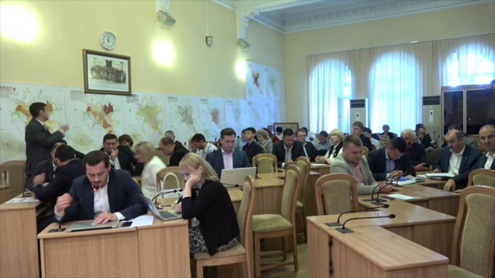 Consilierii liberali au părăsit sala de ședințe a CMC. Vasile Chirtoca: PL a început campania electorală