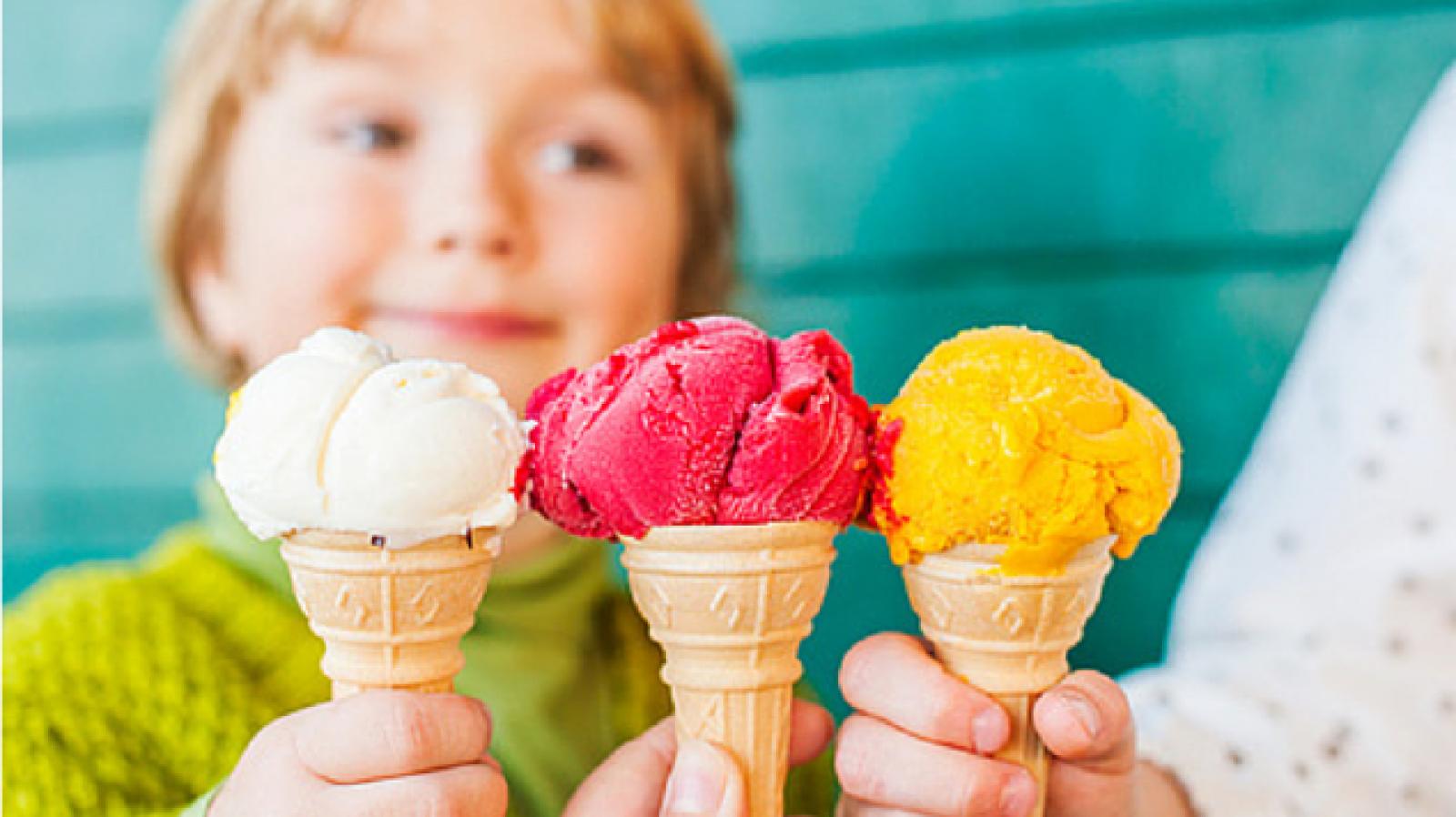 Consumul de înghețată pe timp de vară. Ce beneficii are