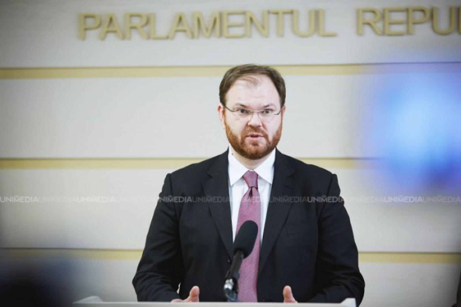 """Cum explică guvernatorul BNM salariul său de 104 mii de lei pe lună: """"Când am venit la BNM, am fost frapat de numărul anormal de mare de posturi vacante în instituție"""""""