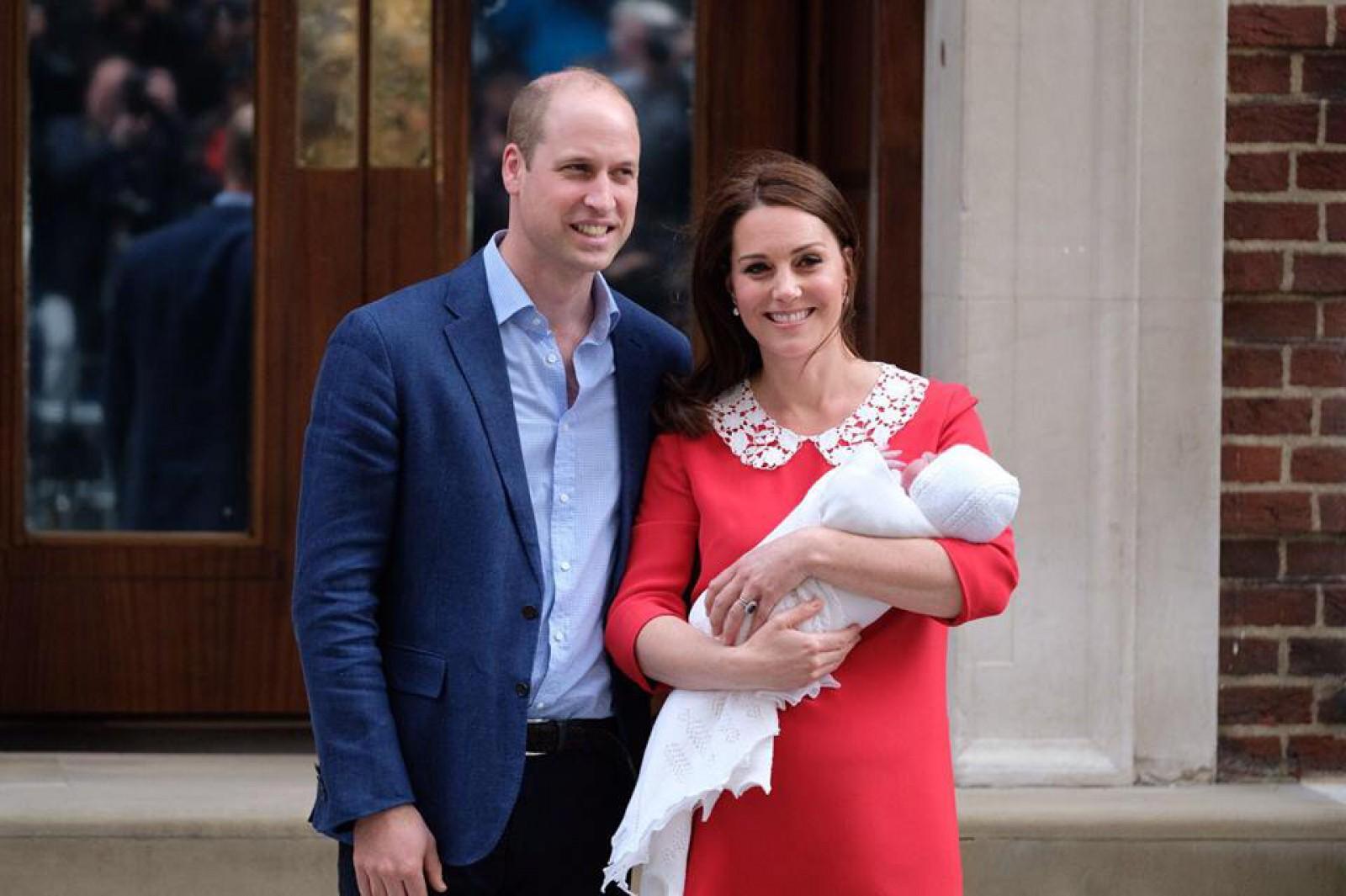 Cum s-ar putea numi al treilea copil al ducilor de Cambridge. Cele mai populare variante sunt Arthur, James și Albert