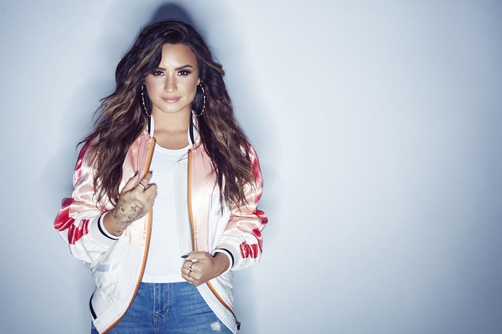 Demi Lovato a anulat concertele din toamnă: Va urma un tratament specializat