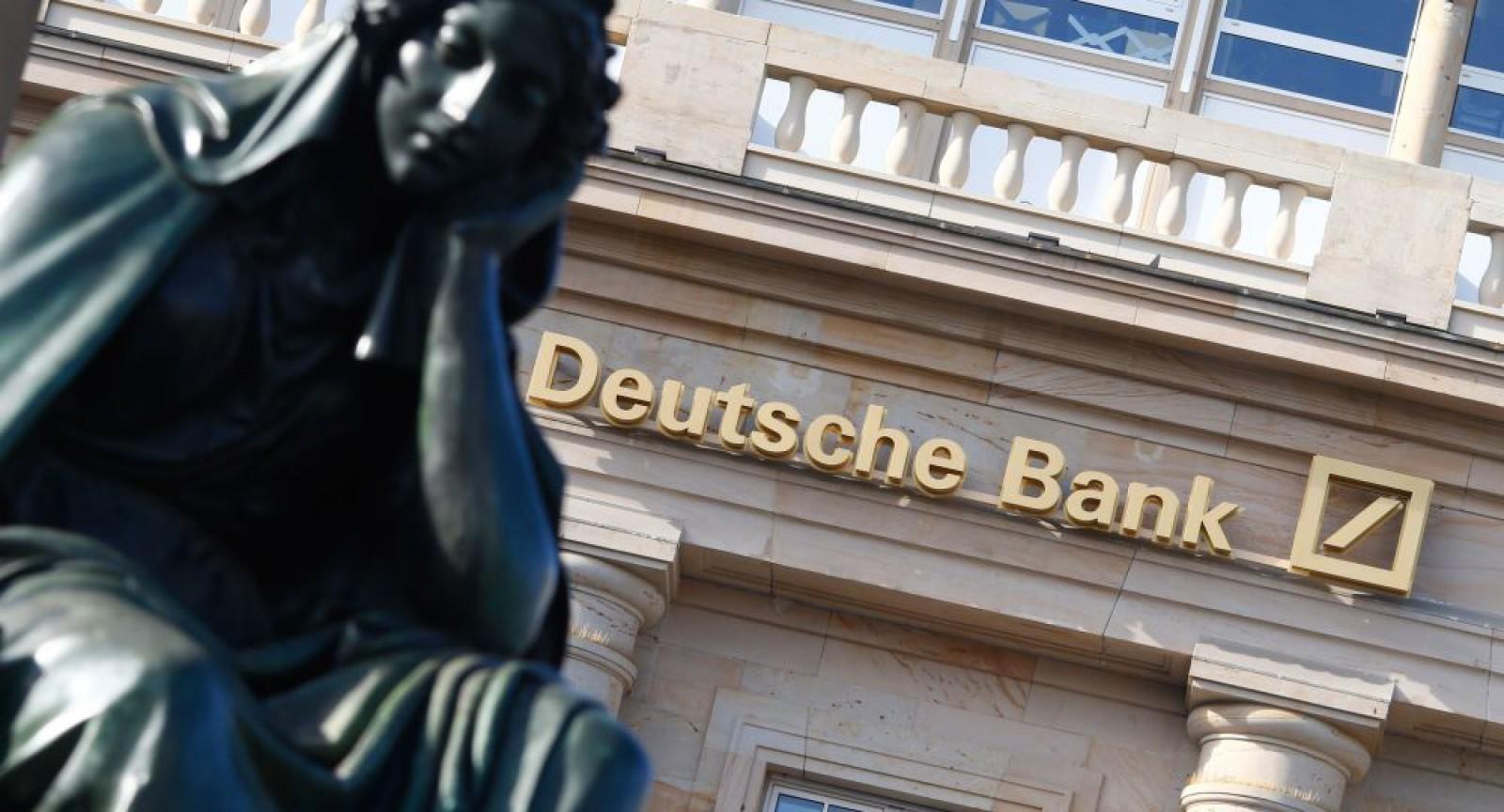 Deutsche Bank a transferat din greașeală, în 2014, 21 de miliarde de euro