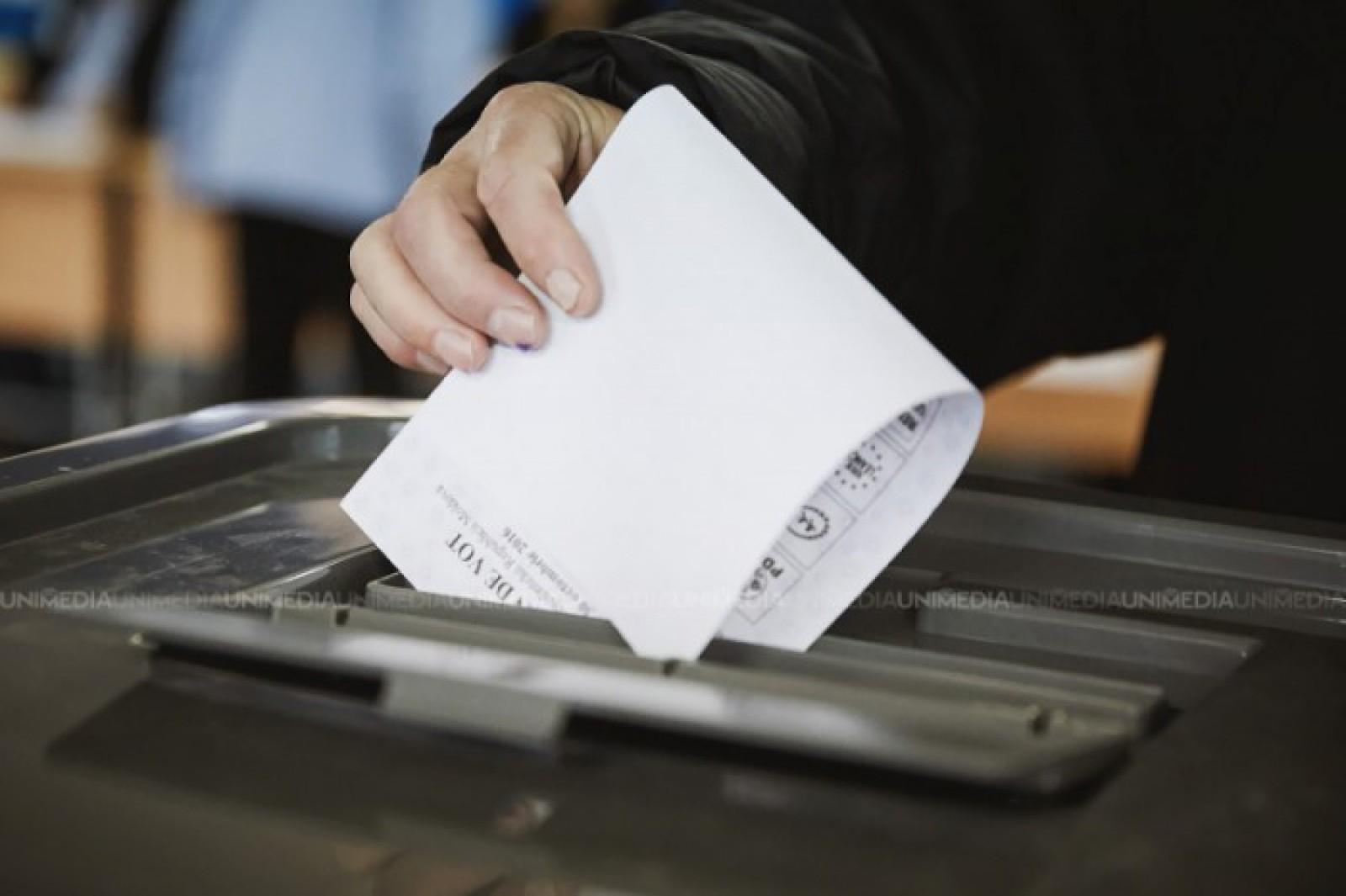 Diaspora va vota altfel la parlamentare: CEC inițiază modificarea Regulamentului cu privire la votarea cetățenilor moldoveni de peste hotare