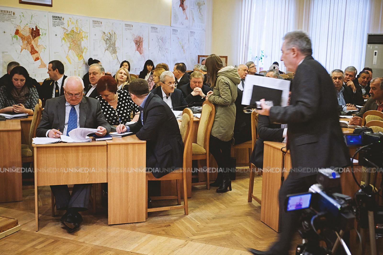 (doc) CMC a aprobat lista funcționarilor de la Primărie care vor primi premii bănești; Chirtoacă, Grozavu, Fleaș, Poiată nu se regăsesc printre beneficiari