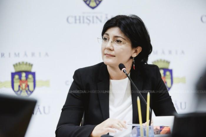 (doc) Primarul interimar, Silvia Radu, a semnat o dispoziție prin care interzice subalternilor să comunice cu mass-media