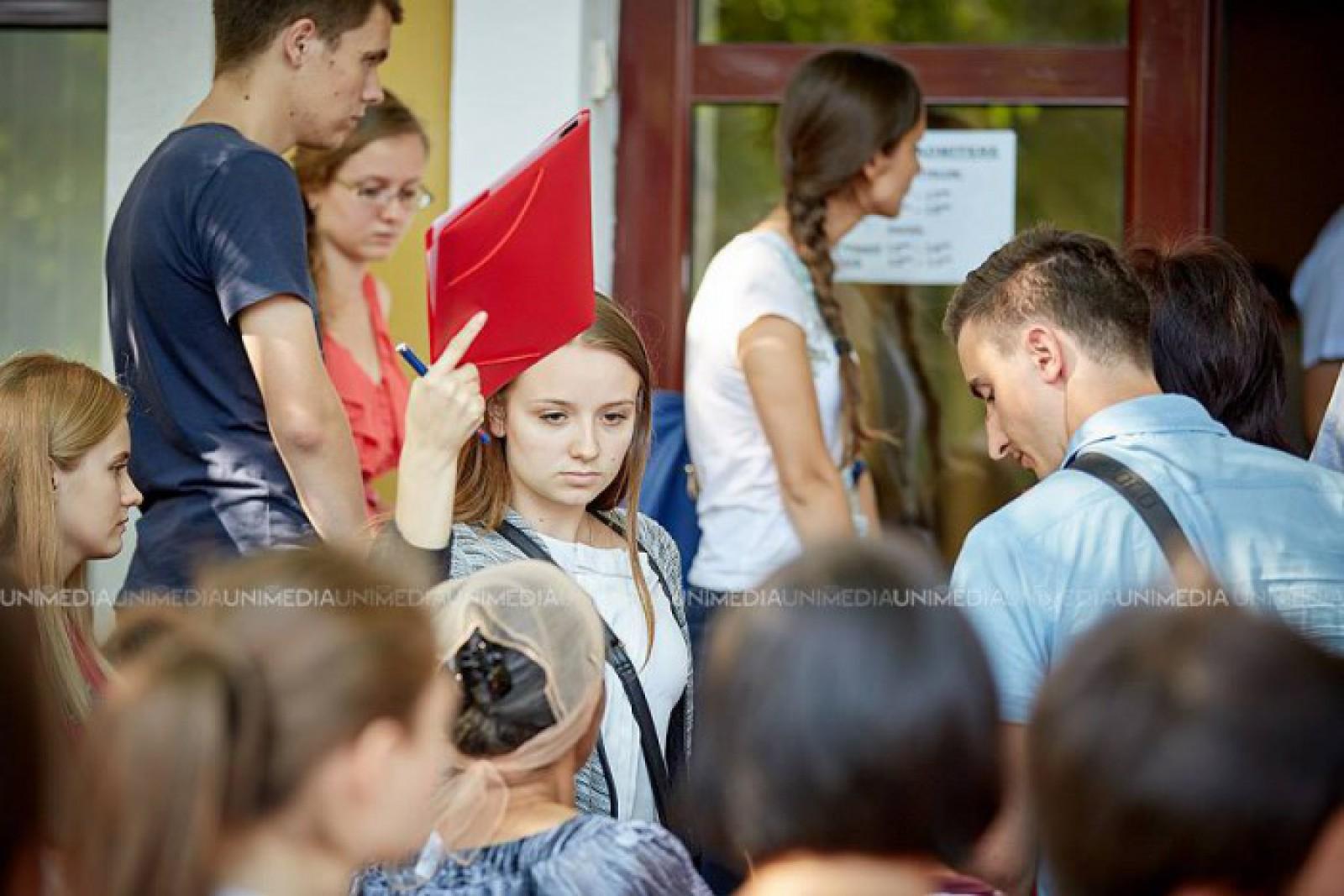 (doc) Vrei să-ți faci studiile preuniversitare în România? Iată care sunt pașii pe care trebuie să-i urmezi
