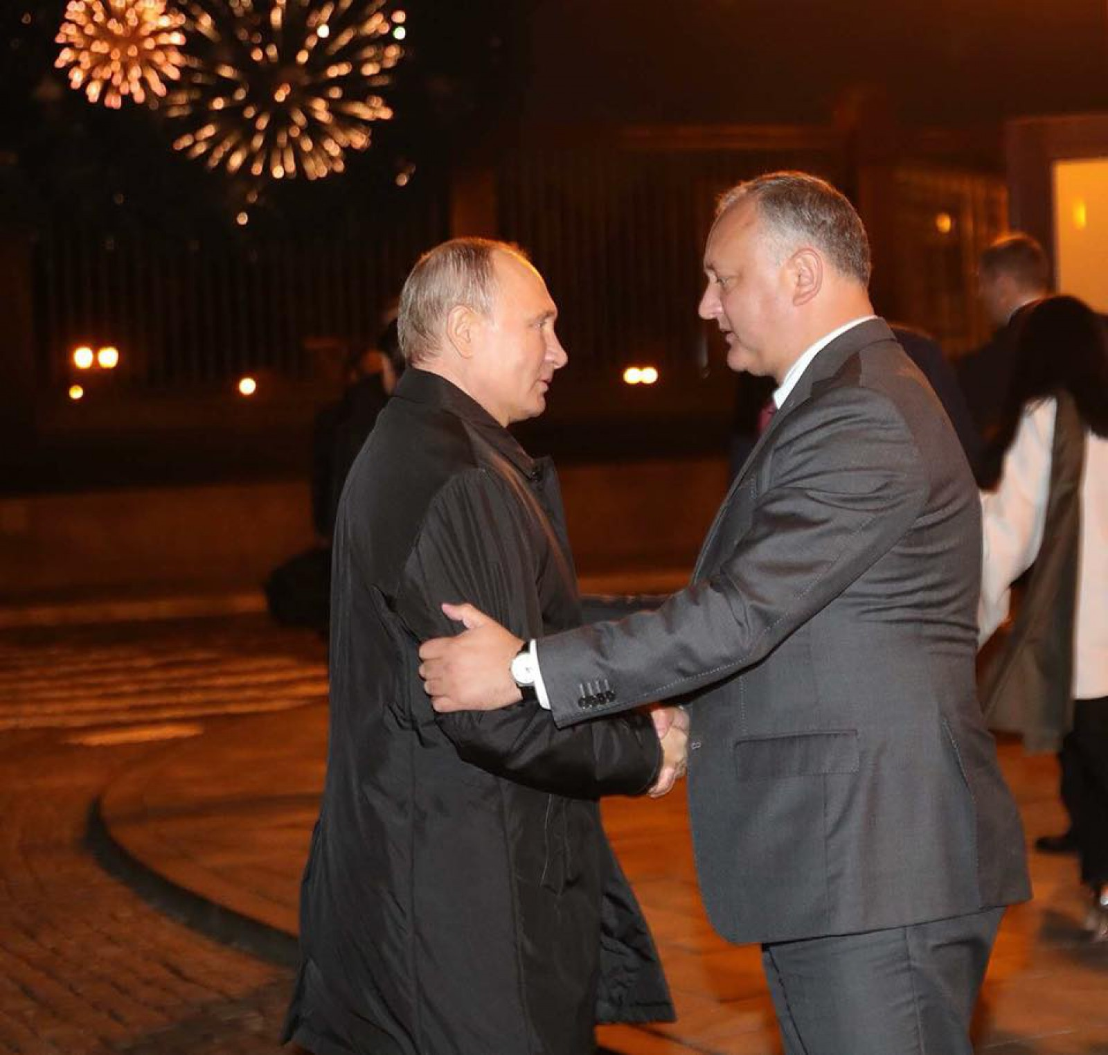 """(foto) Dodon, """"susținătorul fidel"""" al Rusiei chiar și în fotbal: """"M-am întâlnit cu Putin, i-am dorit succes echipei la Cupa Mondială FIFA 2018"""""""
