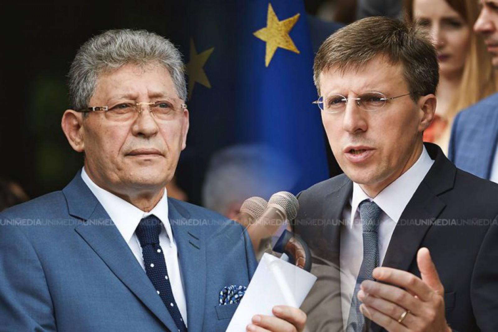 """Dorin Chirtoacă își sărbătorește aniversarea celor 40 de ani. Mihai Ghimpu: """"Unii au ajuns să devină compozitori, fotbaliști renumiți, prim-miniștri; dar puțini din ei au ajuns să fie Primari Generali la vârsta de 28 ani"""""""