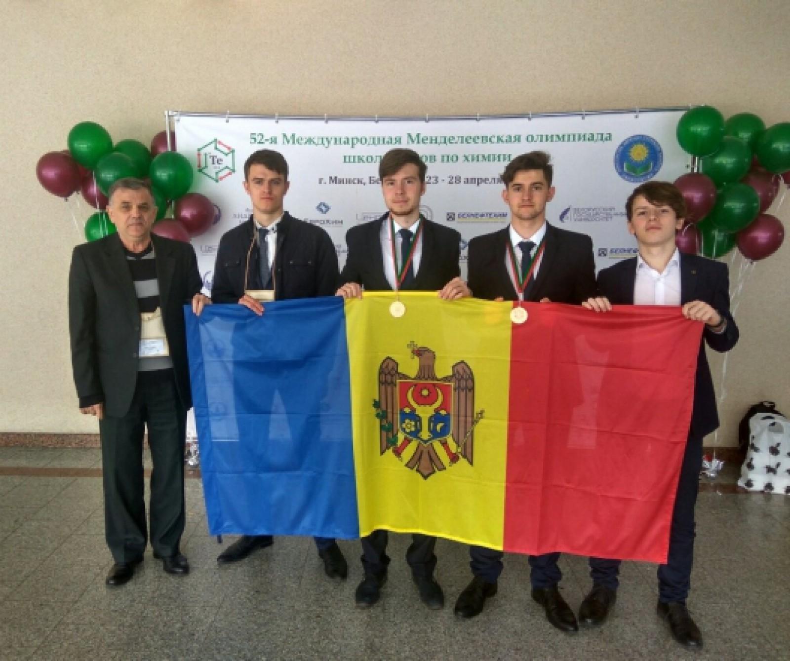 Elevii din Republica Moldova au adus acasă două medalii de bronz de la Olimpiada Internațională de Chimie din Belarus