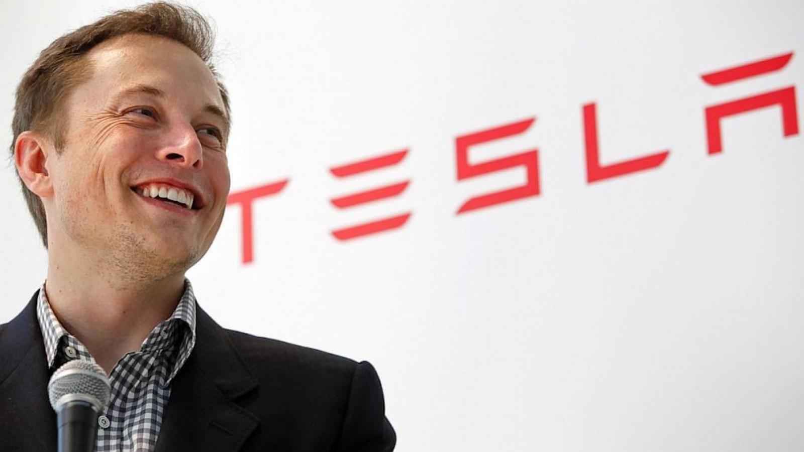 Elon Musk este gata să scoată Tesla de la bursă! O acţiune trebuie să ajungă doar la 420 de dolari