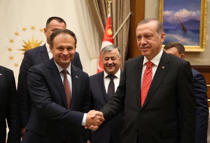 Erdoğan i-a cerut lui Candu ca cetățenii Turciei să poată călători în Republica Moldova doar cu buletinul de identitate
