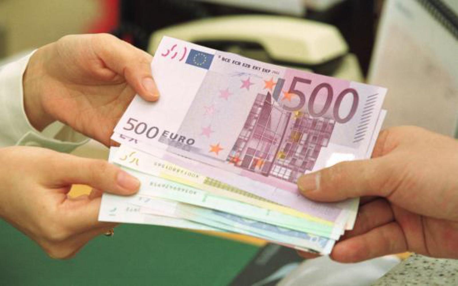 Eroarea bancară a mileniului: Un belgian a primit 2.000 de miliarde de euro în cont