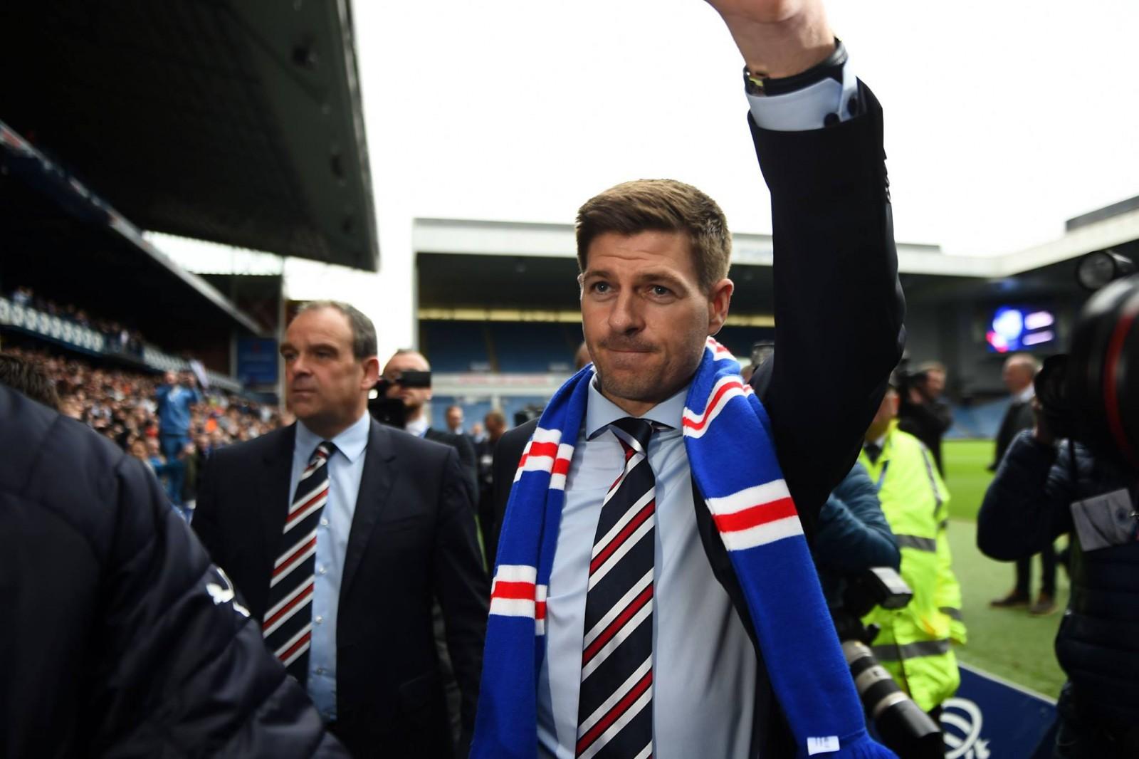 Este oficial: Steven Gerrard a fost instalat în funcția de antrenor principal al echipei Glasgow Rangers