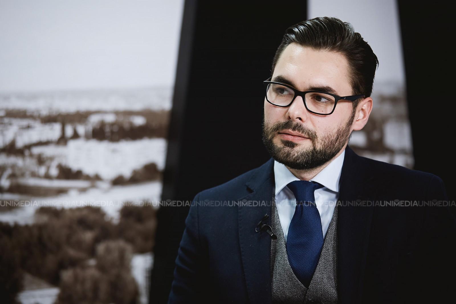 Expertul Iulian Groza: Raportul Comisiei Europene manifestă îngrijorări, dar nu este riscul ca cetățenii să își pierdă dreptul la libera circulație în UE